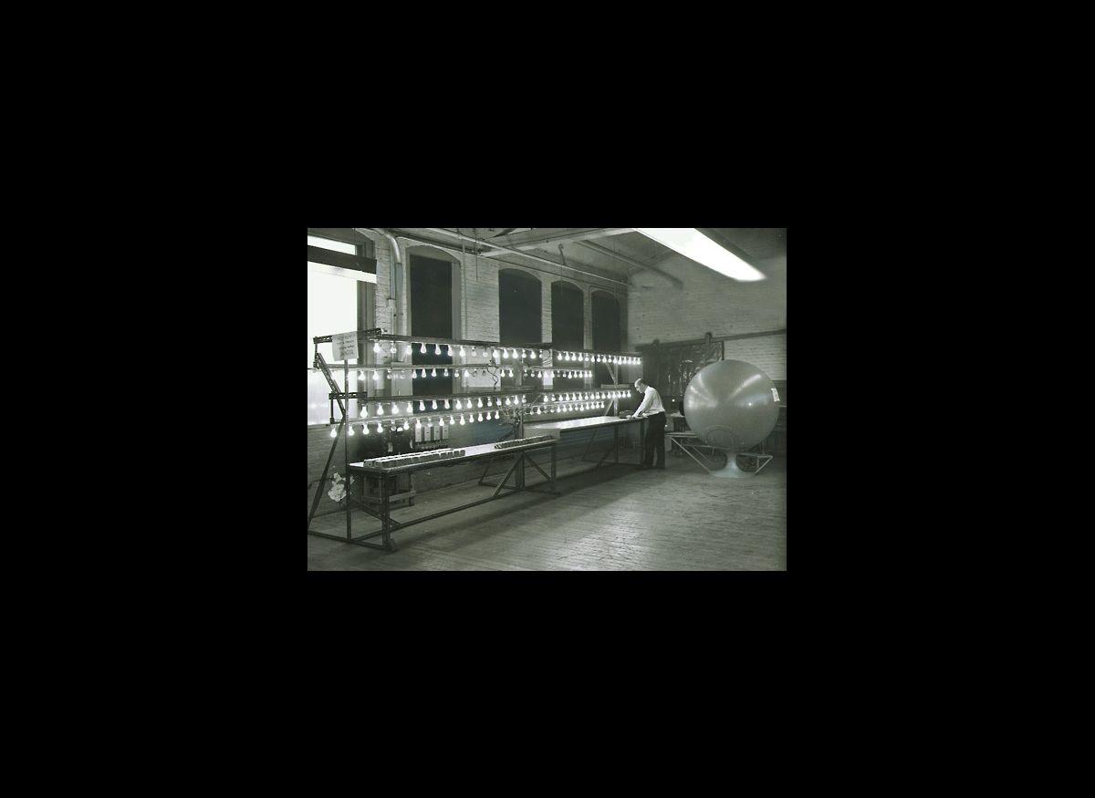 Incandescent lightbulbs, 1965