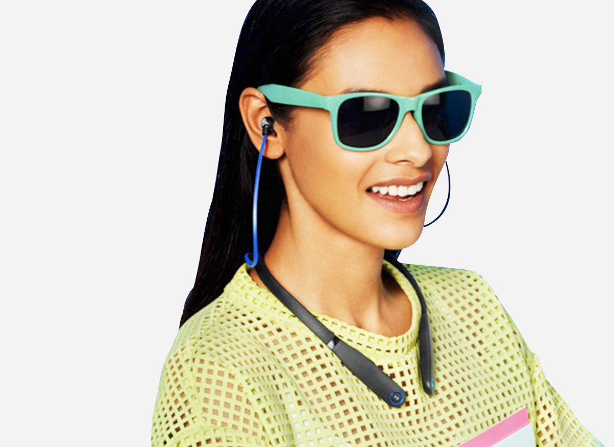 Woman wearing a headphones collar.