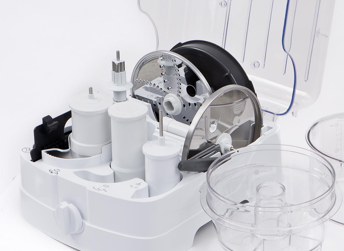 Photo of a food processor storage case.