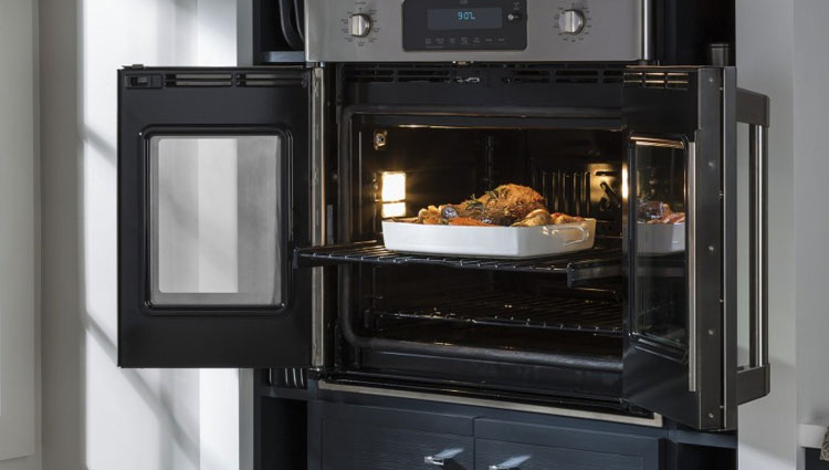 The GE CT9070SHSS French-door wall oven.