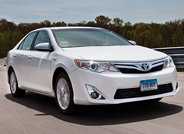 toyota camry and rav4 safety concerns consumer reports news. Black Bedroom Furniture Sets. Home Design Ideas