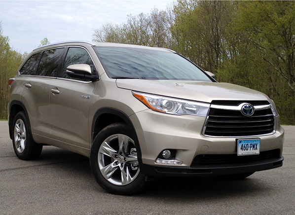 fuel sipping toyota highlander hybrid makes impressive. Black Bedroom Furniture Sets. Home Design Ideas