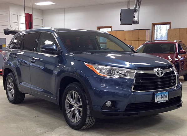 2014 toyota highlander just in consumer reports news. Black Bedroom Furniture Sets. Home Design Ideas