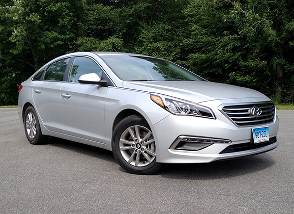 2015 hyundai sonata se first drive review consumer reports. Black Bedroom Furniture Sets. Home Design Ideas