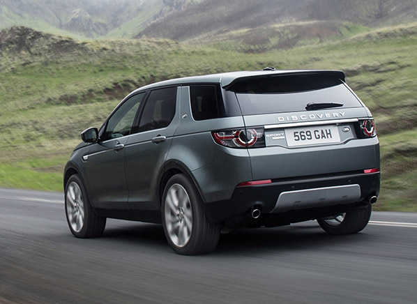2015 Land Rover Discovery Sport First Look - Consumer ...