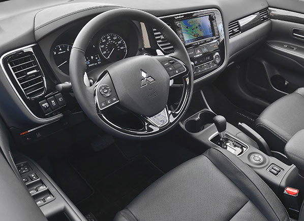 2016 Mitsubishi Outlander First Drive Review - Consumer Reports