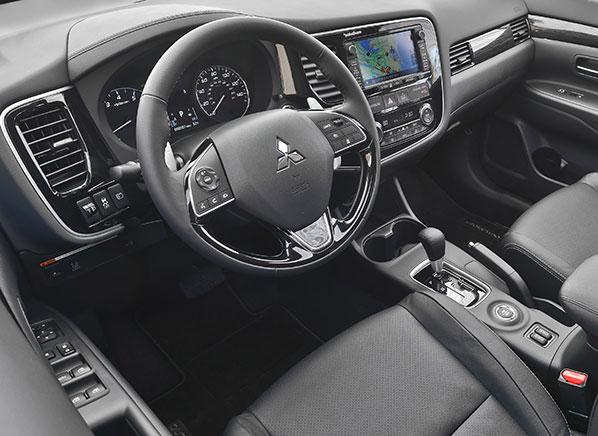 2016 mitsubishi outlander first drive review consumer - Mitsubishi outlander 2016 interior ...