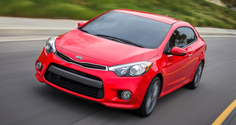 2017 Kia Forte and Forte5 driving