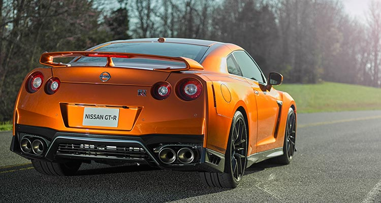 2017 Nissan Gt R Charges Into New York With Updates Consumer Reports