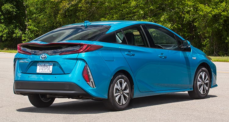 2017 toyota prius prime first drive consumer reports. Black Bedroom Furniture Sets. Home Design Ideas