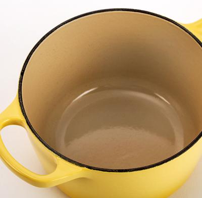 Photo of an enamel pan.