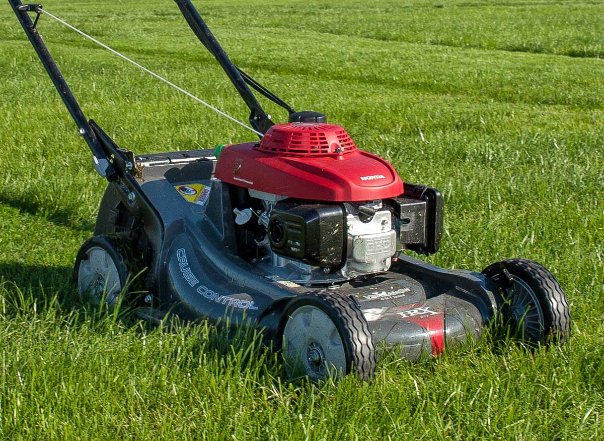 Lawn And Garden Tractor : Best lawn mower tractor buying guide consumer reports