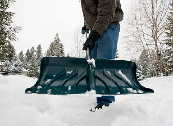 Snow-shoveling.jpg