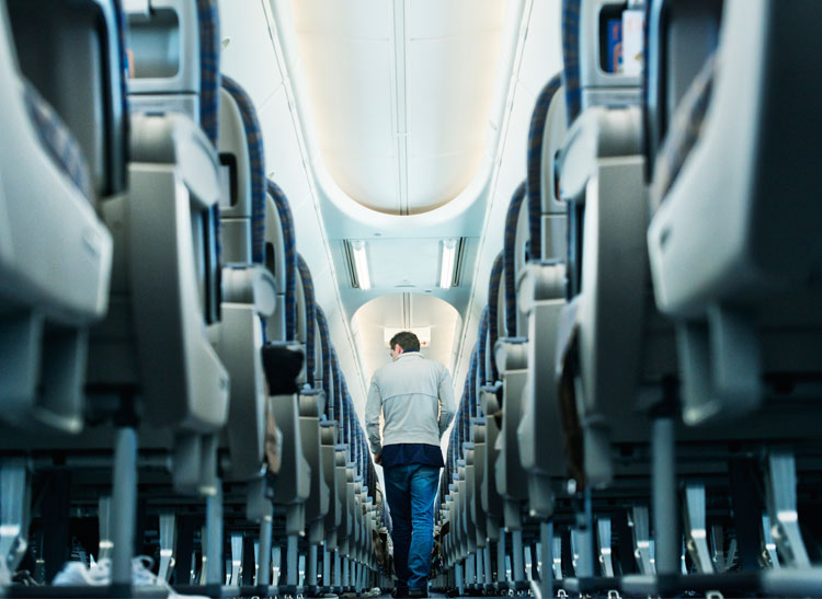 Consumer Reports ranks the best and worst airlines.