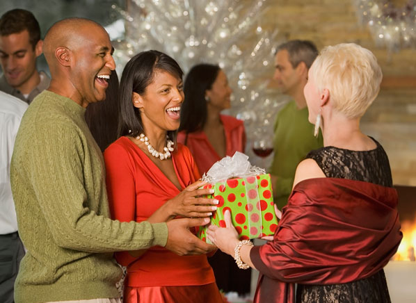 Great hostess gifts holiday parties consumer reports news for Good hostess gifts for a christmas party
