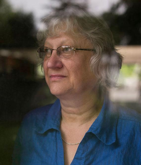 Barbara Thom