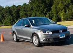 2011-Volkswagen-Jetta-test-track-f.jpg