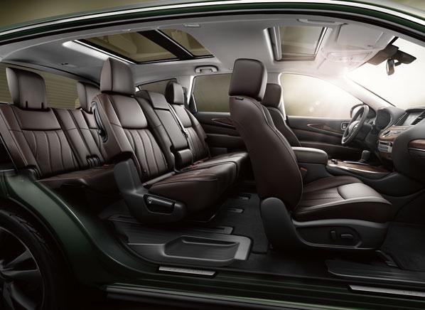 2013-Infiniti-JX-pr-interior.jpg