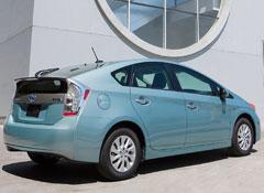 2012-Toyota-Prius-Plugin-pr-r.jpg