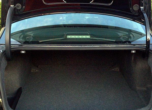 2012-VW-Passat-hinge-large (1).jpg