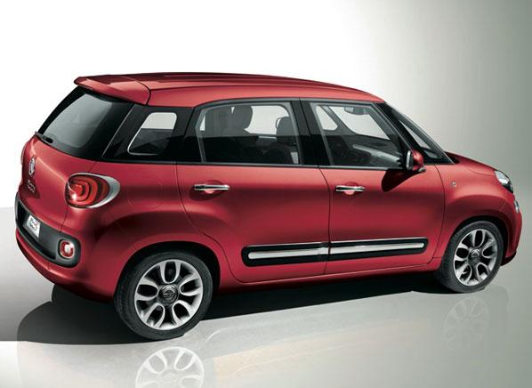 Fiat-500L-rear-studio.jpg