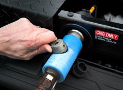 2013-Chevrolet-Silverado-HD-CNG-refuel.jpg