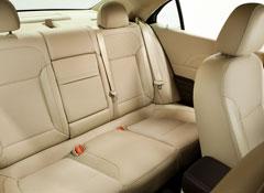 2013-Chevrolet-Malibu-back-seat.jpg