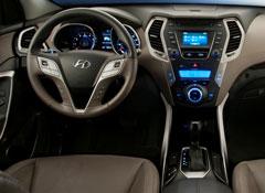 2013-Hyundai-Santa-Fe-Sport-pr-interior.jpg
