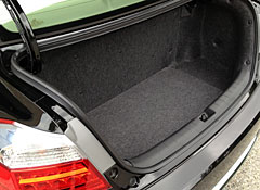 2014-Honda-Accord-Plug-In-Hybrid-trunk.jpg