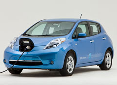 Nissan-Leaf-plugged-in-studio-ATD.jpg
