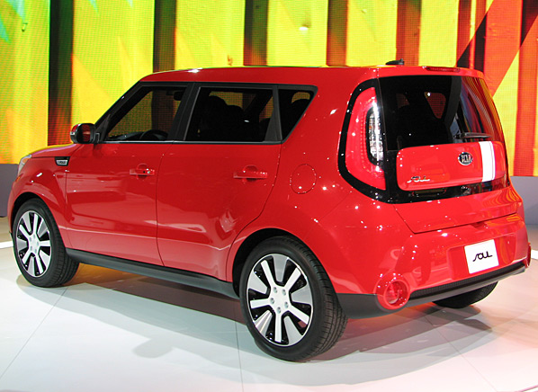new york auto show 2014 kia soul brings refinements and premium gear. Black Bedroom Furniture Sets. Home Design Ideas