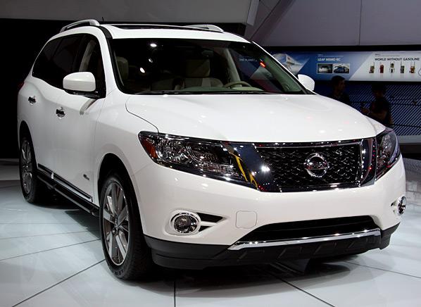 2014-Nissan-Pathfinder-Hybrid-NYIAS.jpg
