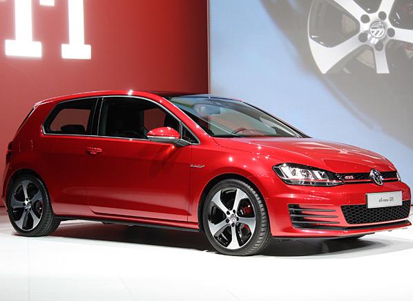 2015-Volkswagen-GTI-f-NYIAS.jpg